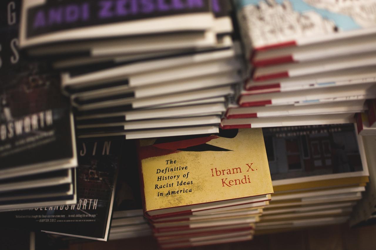 books-1837043_1280
